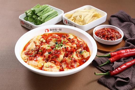 鱼你在一起下饭酸菜鱼菜品丰富满足大众消费者味蕾